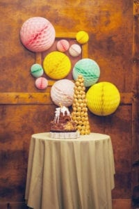 honeycomb-pom-pom-wedding-decor