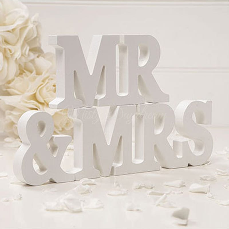 MR & MRS Small Wooden Sign Table Decor